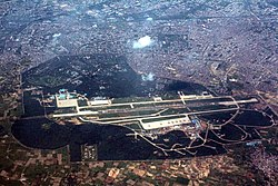 250px-Delhi_and_surroundings_aerial_photo_08-2016_img7