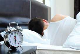 Weekend sleep-ins can help lower your BMI