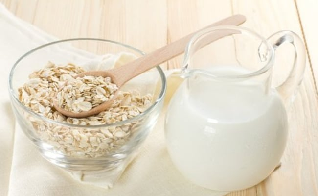 Simple Home remedies to remove tanning: Buttermilk and Oat Meal Pack