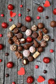 Facts about Chocolates. 10 fast foods you won't buy ever after knowing how they are made