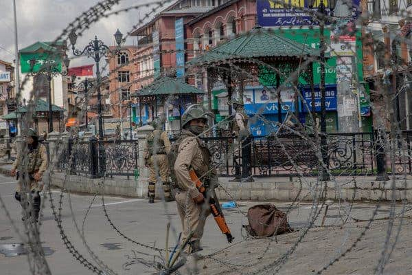 J&K Turmoil: Barricading around important areas in Kashmir