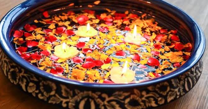 Best Diwali decor ideas for Home: Floating candles