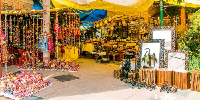 places to visit in Delhi with family:  Dilli Haat