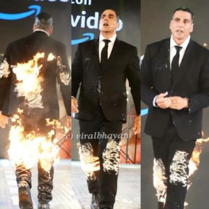 "Akshay Kumar fired up himself at the trailer launch of ""The End"""