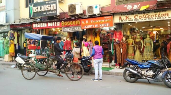 places to explore in Delhi with family: Amar colony
